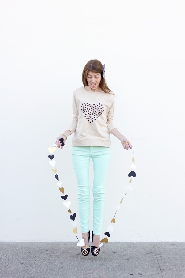 DIY-Jeweled-Heart-Sweatshirt12-600x900